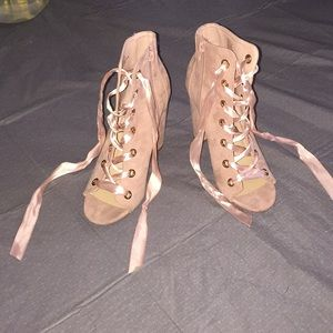 *SUPER SALE* For anyone who can save these heels